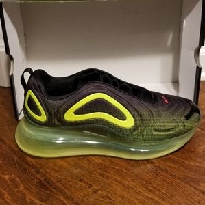 New Nike Air Max 720 size 10.5